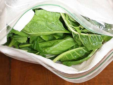 хранение зелени в полотенце